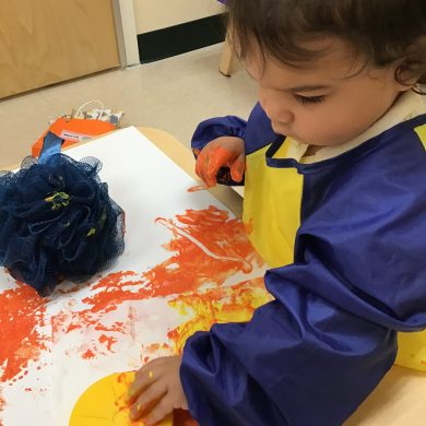 Our toddlers are back in action, using different items from around the room to to get paint onto paper!
